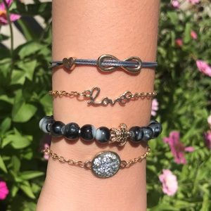 🌳5 piece world beach love infinity bracelet🌳
